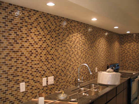 Kitchen: Upgraded Glass Tile Backsplash (Desert)